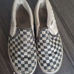 Van's youth size 4 checkered slip on